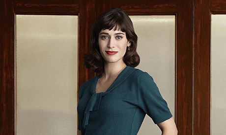 Lizzy Caplan as Virginia Johnson in Masters of Sex